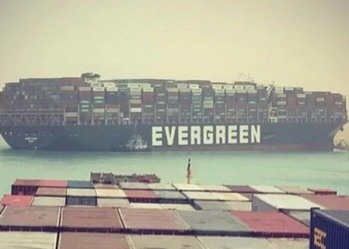 Canale di Suez bloccato, conseguenze per l'Italia